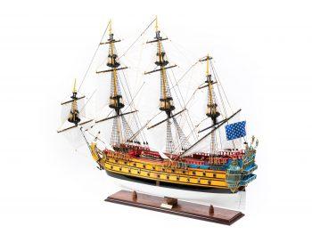Maquette d'exposition entièrement montée – Mistral Maquettes – Galion La Licorne (85 cm), vue latérale bâbord arrière