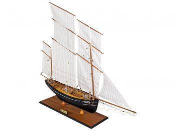 Maquette d'exposition entièrement montée –Mistral Maquettes - La Bisquine Cancalaise - 78 cm - vue latérale tribord avant