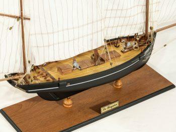 Maquette d'exposition entièrement montée – Mistral Maquettes - La Bisquine Cancalaise - 78 cm - vue plongeante tribord arrière