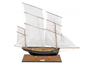 Maquette d'exposition entièrement montée –Mistral Maquettes - La Bisquine Cancalaise - 78 cm - vue plongeante globale