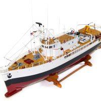 Maquette d'exposition entièrement montée - Mistral Maquettes - La Calypso - 85 cm - vue globale bâbord avant