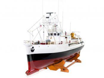 Maquette d'exposition entièrement montée - Mistral Maquettes - La Calypso - 85 cm - vue proue