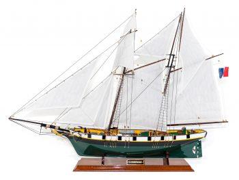 Maquette d'exposition entièrement montée –Mistral Maquettes - La Recouvrance - 80 cm - vue globale latérale
