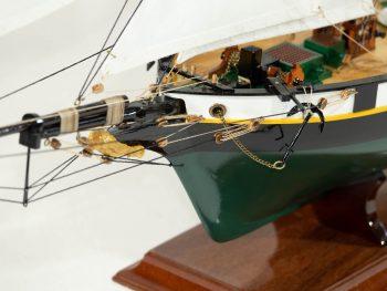 Maquette d'exposition entièrement montée –Mistral Maquettes - La Recouvrance - 80 cm - vue globale proue