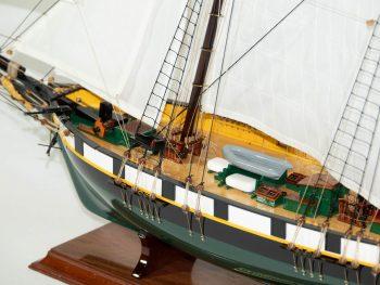 Maquette d'exposition entièrement montée –Mistral Maquettes - La Recouvrance - 80 cm - vue plongeante pont avant