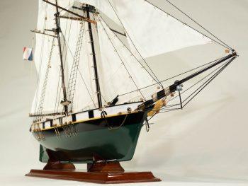 Maquette d'exposition entièrement montée –Mistral Maquettes - La Recouvrance - 80 cm - vue tribord proue