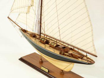 Maquette d'exposition entièrement montée –Mistral Maquettes - Le Pen Duick - 74 cm - vue plongeant pont
