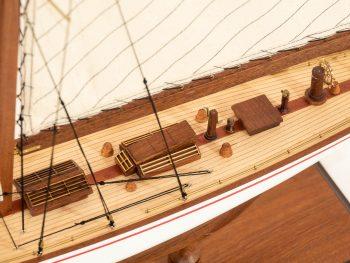 Maquette d'exposition entièrement montée –Mistral Maquettes - Le Rainbow - 62 cm - vue détaillée pont central