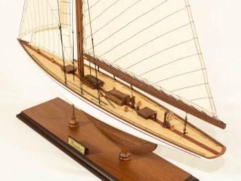 Maquette d'exposition entièrement montée –Mistral Maquettes - Le Rainbow - 62 cm - vue plongeante globale