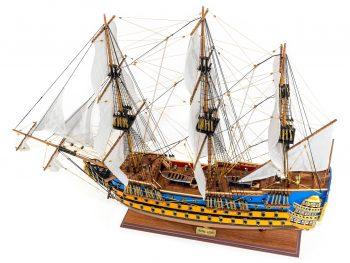 Maquette d'exposition entièrement montée –Mistral Maquettes - Le Royal Louis - 94 cm - vue globale bâbord