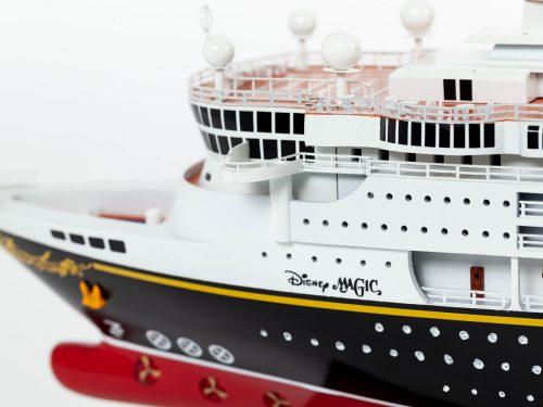 Maquette d'exposition entièrement montée – Mistral Maquettes - Ocean Disney Liner - 80 cm - Vue babord pont avant