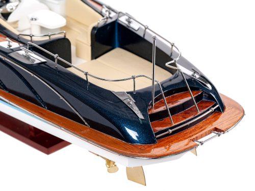 """Maquette d'exposition entièrement montée - Mistral Maquettes - Cruiser """"Rama"""" - 68 cm - vue arrière"""
