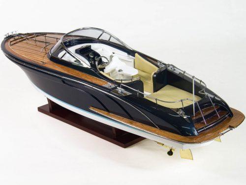 """Maquette d'exposition entièrement montée – Mistral Maquettes - Cruiser """"Rama"""" - 68 cm - vue latérale babord"""