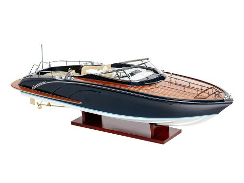 """Maquette d'exposition entièrement montée - Mistral Maquettes - Cruiser """"Rama"""" - 68 cm - vue latérale tribord"""
