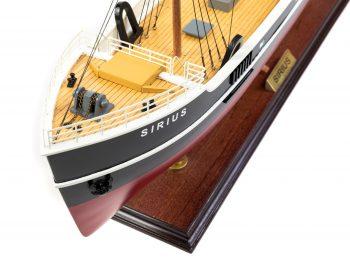 Maquette d'exposition entièrement montée - Mistral Maquettes – Le Sirius - 66 cm - vue plongeante proue