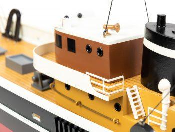 Maquette d'exposition entièrement montée - Mistral Maquettes – Le Sirius - 66 cm - vue bâbord timonerie