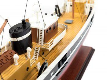 Maquette d'exposition entièrement montée - Mistral Maquettes – Le Sirius - 66 cm - vue tribord timonerie