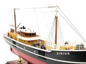 Maquette d'exposition entièrement montée - Mistral Maquettes – Le Sirius - 66 cm - vue tribord avant
