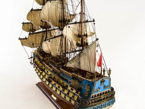 Maquette d'exposition entièrement montée – Mistral Maquettes - San Felipe - 81 cm - vue plongeante poupe