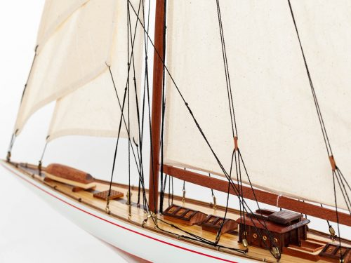 Maquette d'exposition entièrement montée – Mistral Maquettes - Shamrock - 62 cm - vue babord avant