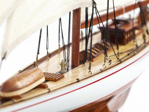 Maquette d'exposition entièrement montée – Mistral Maquettes - Shamrock - 62 cm - vue détaillée pont avant