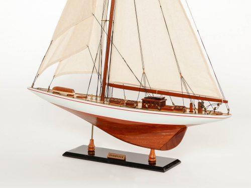 Maquette d'exposition entièrement montée – Mistral Maquettes - Shamrock - 62 cm - vue latérale babord