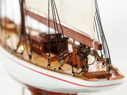 Maquette d'exposition entièrement montée – Mistral Maquettes - Shamrock - 62 cm - vue poupe
