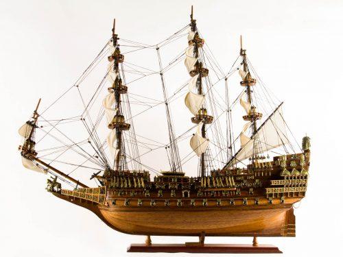Maquette d'exposition entièrement montée – Mistral Maquettes - Sovereign of the seas - 95 cm - vue bâbord