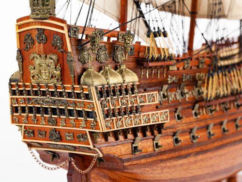 Maquette d'exposition entièrement montée – Mistral Maquettes - Sovereign of the seas - 95 cm - vue tribord château arrière