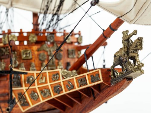 Maquette d'exposition entièrement montée – Mistral Maquettes - Sovereign of the seas - 95 cm - vue tribord figure de proue