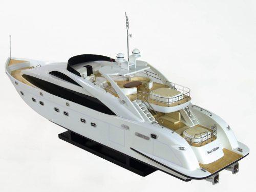 Maquette d'exposition entièrement montée – Mistral Maquettes - Sun Glider - 88 cm - vue plongeante latérale babord