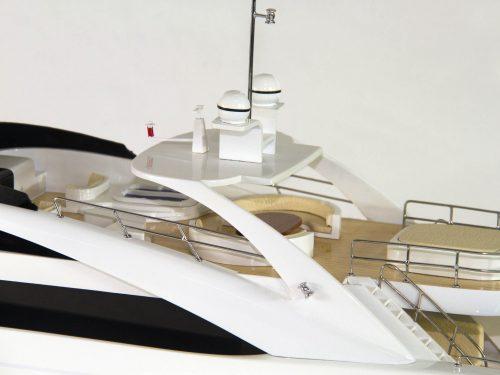 Maquette d'exposition entièrement montée – Mistral Maquettes - Sun Glider - 88 cm - vue pont central