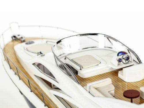Maquette d'exposition entièrement montée - Mistral Maquettes - Sunseeker - 88 cm - vue pont supérieur