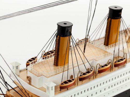 Maquette d'exposition entièrement montée – Mistral Maquettes - Titanic - 101 cm - vue détaillée pont supérieur