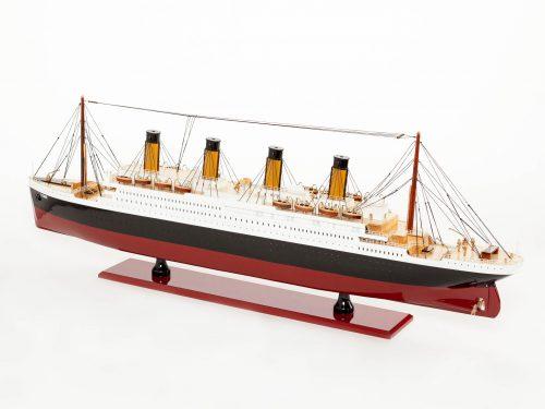 Maquette d'exposition entièrement montée – Mistral Maquettes - Titanic - 101 cm - vue latérale babord arrière