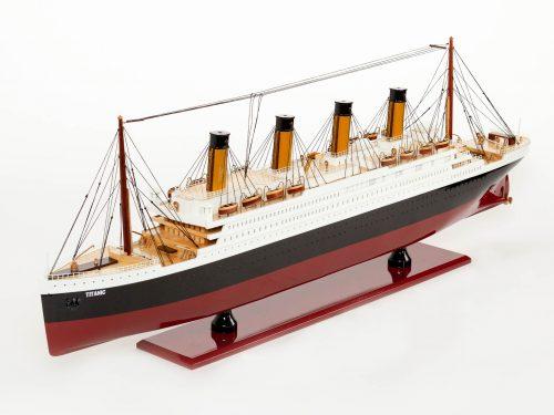 Maquette d'exposition entièrement montée – Mistral Maquettes - Titanic - 101 cm - vue latérale babord avant