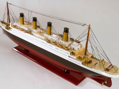 Maquette d'exposition entièrement montée – Mistral Maquettes - Titanic - 101 cm - vue plongeante babord