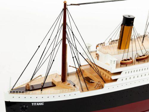 Maquette d'exposition entièrement montée – Mistral Maquettes - Titanic - 101 cm - vue plongeante pont avant
