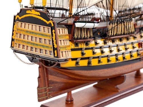 Maquette d'exposition entièrement montée – Mistral Maquettes - Victory - 87 cm - vue arrière tribord