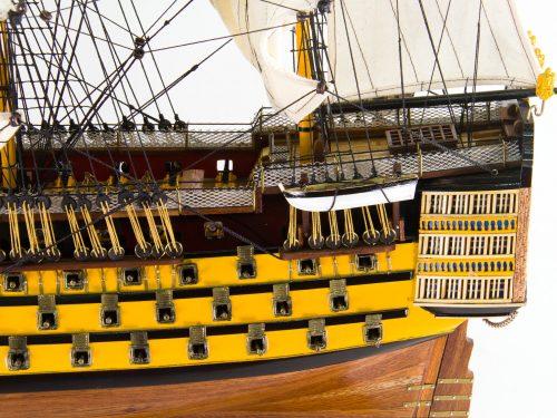 Maquette d'exposition entièrement montée – Mistral Maquettes - Victory - 87 cm - vue bâbord arrière