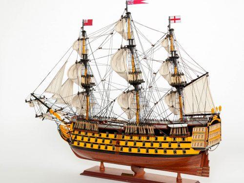 Maquette d'exposition entièrement montée – Mistral Maquettes - Victory - 87 cm - vue latérale bâbord