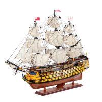 Maquette d'exposition entièrement montée – Mistral Maquettes - Victory - 87 cm - vue latérale bâbord avant