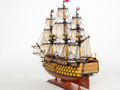 Maquette d'exposition entièrement montée – Mistral Maquettes - Victory - 87 cm - vue latérale bâbord arrière