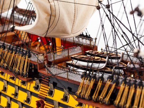 Maquette d'exposition entièrement montée – Mistral Maquettes - Victory - 87 cm - vue tribord pont central