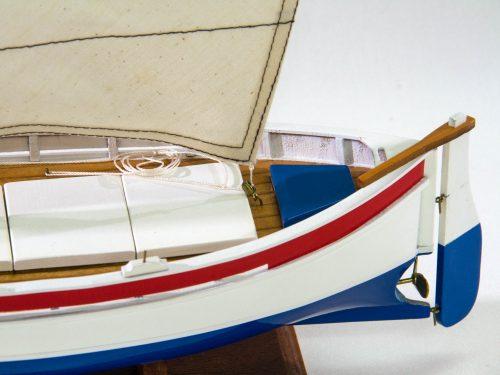 Maquette d'exposition entièrement montée – Mistral Maquettes - barquette - 35 cm - vue babord arrière