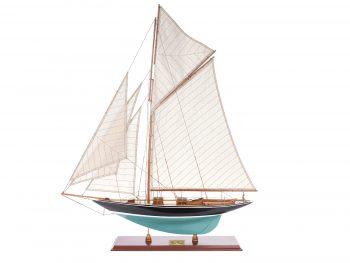 Maquette d'exposition entièrement montée – Mistral Maquettes - Pen Duick (75 cm), vue d'ensemble latérale babord