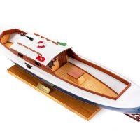 Maquette de collection montée de la pinasse du bassin d'arcachon (1/20 ème - 53 cm) - vue plongeante cockpit