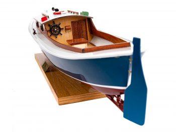 Maquette d'exposition entièrement montée – Mistral Maquettes – Pinasse du bassin d'arcachon (1/20 ème - 53 cm) - vue poupe