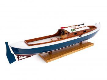 Maquette d'exposition entièrement montée – Mistral Maquettes – Pinasse du bassin d'arcachon (1/20 ème - 53 cm) - vue latérale tribord