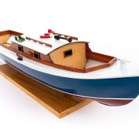 Maquette de collection montée de la pinasse du bassin d'arcachon (1/20 ème - 53 cm) - vue tribord proue